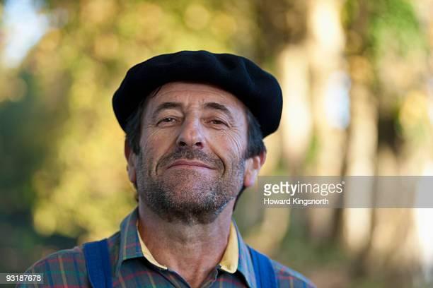 frenchman wearing a beret. - ベレー帽 ストックフォトと画像