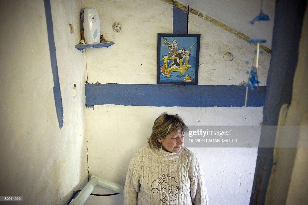 Француженка Лидия Гуардо позирует у себя дома