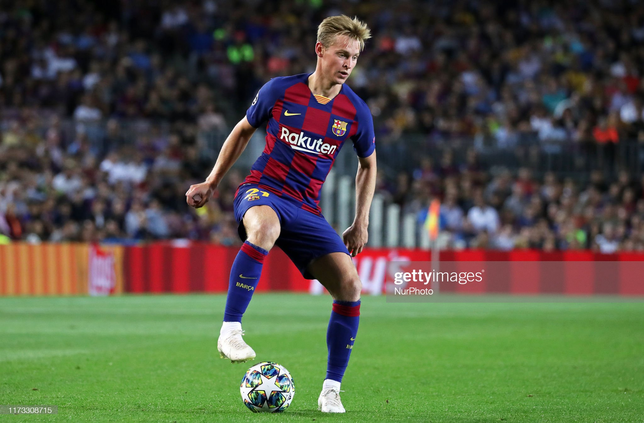 صور مباراة : برشلونة - إنتر 2-1 ( 02-10-2019 )  Frenkie-de-jong-during-the-match-between-fc-barcelona-between-inter-picture-id1173308715?s=2048x2048