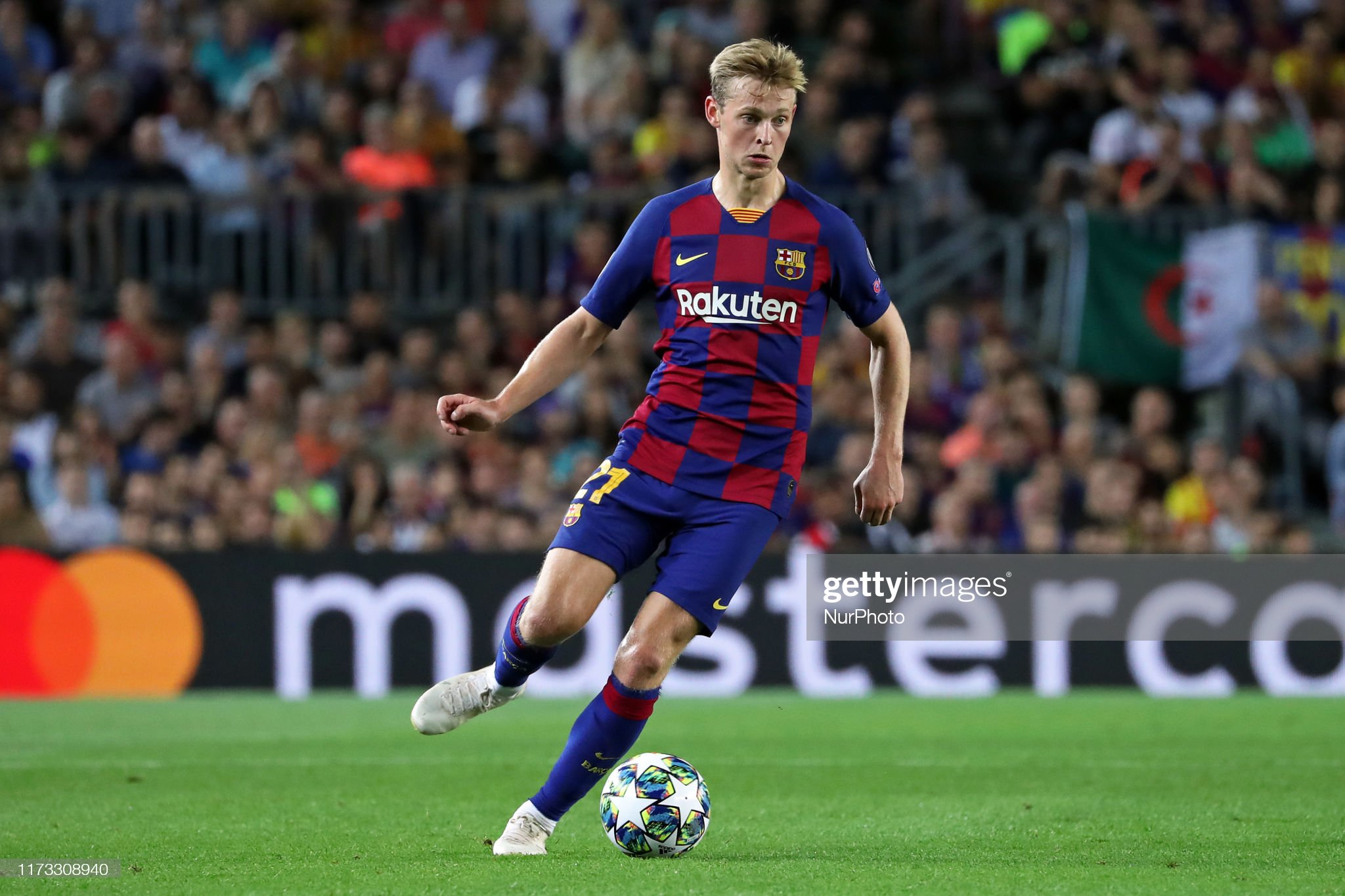 صور مباراة : برشلونة - إنتر 2-1 ( 02-10-2019 )  Frenkie-de-jong-during-the-match-between-fc-barcelona-between-inter-picture-id1173308940?s=2048x2048