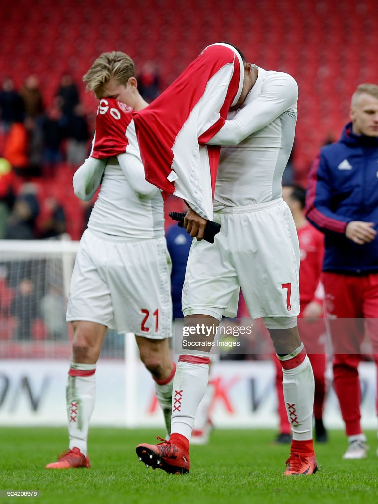 Frenkie de Jong of Ajax, David Neres of Ajax during the Dutch Eredivisie match between Ajax v ADO Den Haag at the Johan Cruijff Arena on February 25, 2018 in Amsterdam Netherlands