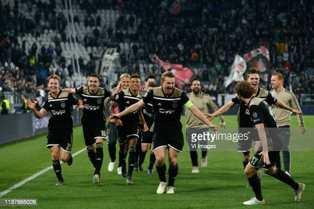 Frenkie de Jong of Ajax Dusan Tadic of Ajax David Neres of Ajax Matthijs de Ligt of Ajax Daley Blind of Ajax Joel Veltman of Ajax during the UEFA...
