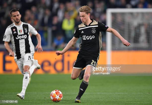 Frenkie de Jong of Ajax in action during the UEFA Champions League Quarter Final second leg match between Juventus and Ajax at Allianz Stadium on...