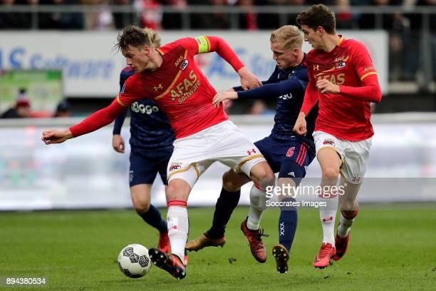 Frenkie de Jong of Ajax Wout Weghorst of AZ Alkmaar Donny van de Beek of Ajax Guus Til of AZ Alkmaar during the Dutch Eredivisie match between AZ...