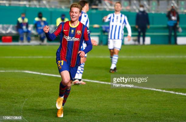 Frenkie de Jong of Barcelona celebrates after scoring their team's first goal during the Supercopa de Espana Semi Final match between Real Sociedad...