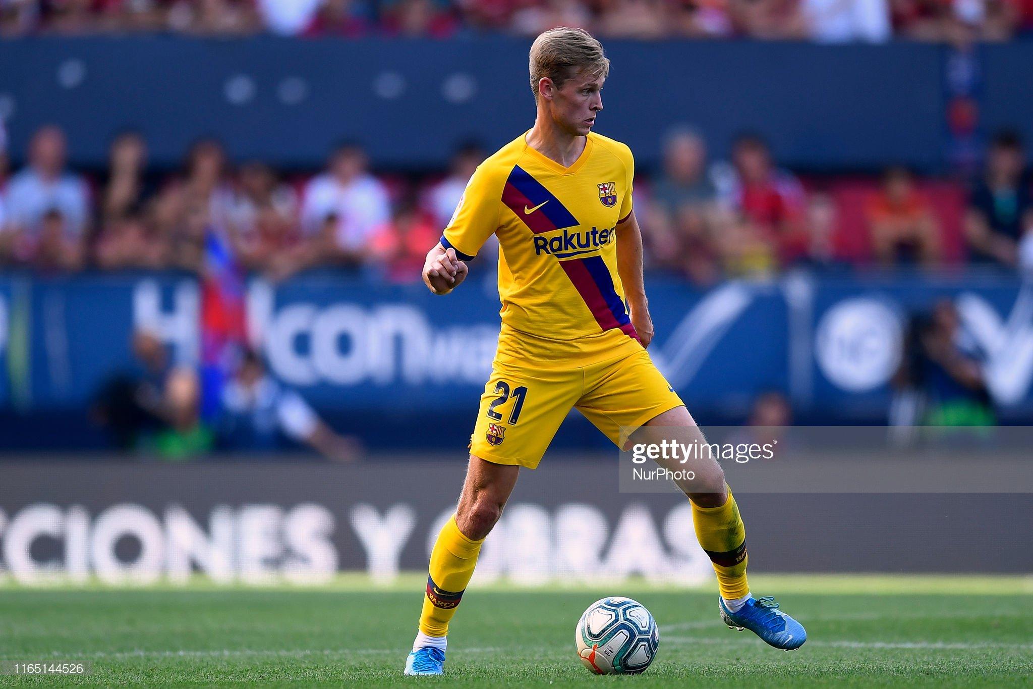 صور مباراة : أوساسونا - برشلونة 2-2 ( 31-08-2019 )  Frenkie-de-jong-of-barcelona-controls-the-ball-during-the-liga-match-picture-id1165144526?s=2048x2048