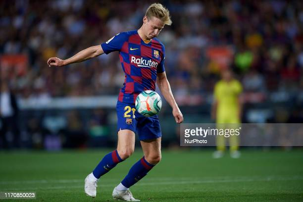 Frenkie de Jong of Barcelona controls the ball during the Liga match between FC Barcelona and Villarreal CF at Camp Nou on September 24, 2019 in...