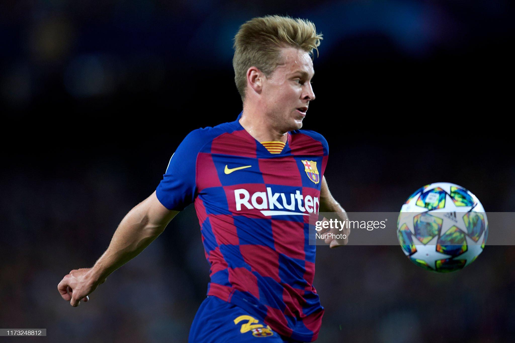صور مباراة : برشلونة - إنتر 2-1 ( 02-10-2019 )  Frenkie-de-jong-of-barcelona-controls-the-ball-during-the-uefa-f-picture-id1173248812?s=2048x2048