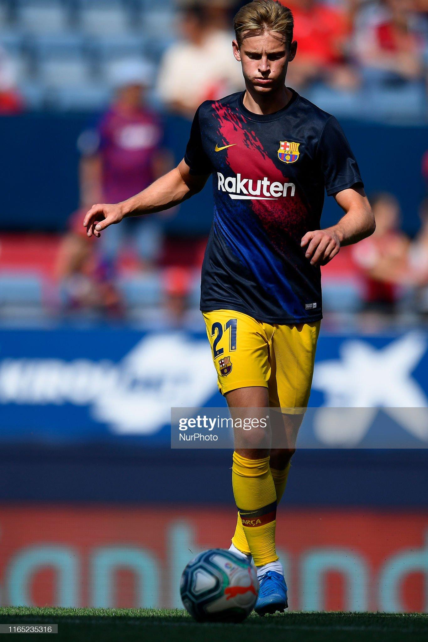 صور مباراة : أوساسونا - برشلونة 2-2 ( 31-08-2019 )  Frenkie-de-jong-of-barcelona-during-the-warmup-before-the-liga-match-picture-id1165235316?s=2048x2048