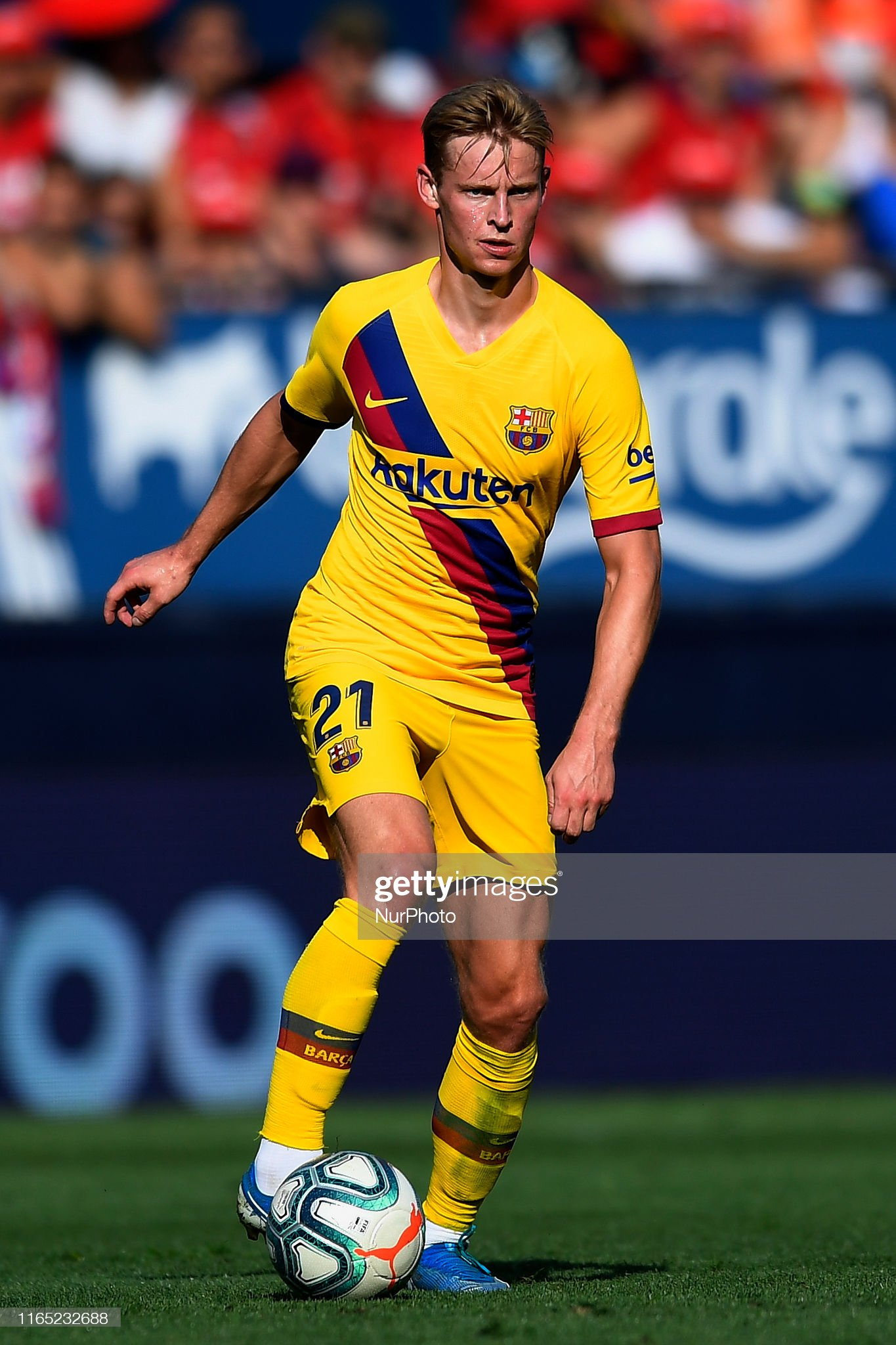 صور مباراة : أوساسونا - برشلونة 2-2 ( 31-08-2019 )  Frenkie-de-jong-of-barcelona-in-action-during-the-liga-match-between-picture-id1165232688?s=2048x2048