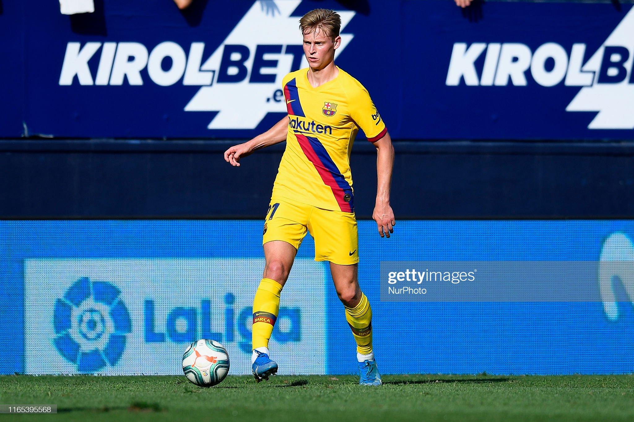 صور مباراة : أوساسونا - برشلونة 2-2 ( 31-08-2019 )  Frenkie-de-jong-of-barcelona-in-action-during-the-liga-match-between-picture-id1165395568?s=2048x2048
