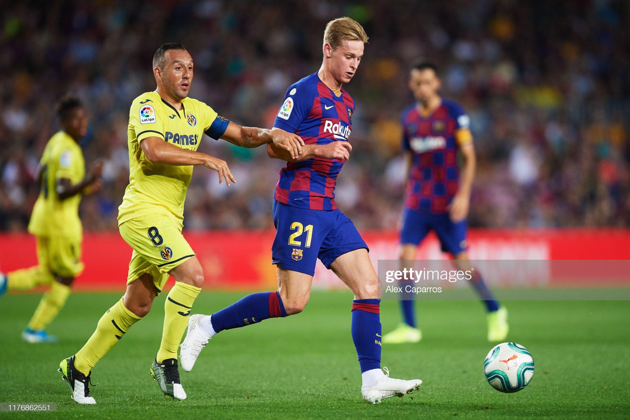 صور مباراة : برشلونة - فياريال 2-1 ( 24-09-2019 )  Frenkie-de-jong-of-fc-barcelona-conducts-the-ball-under-pressure-from-picture-id1176862551?s=2048x2048