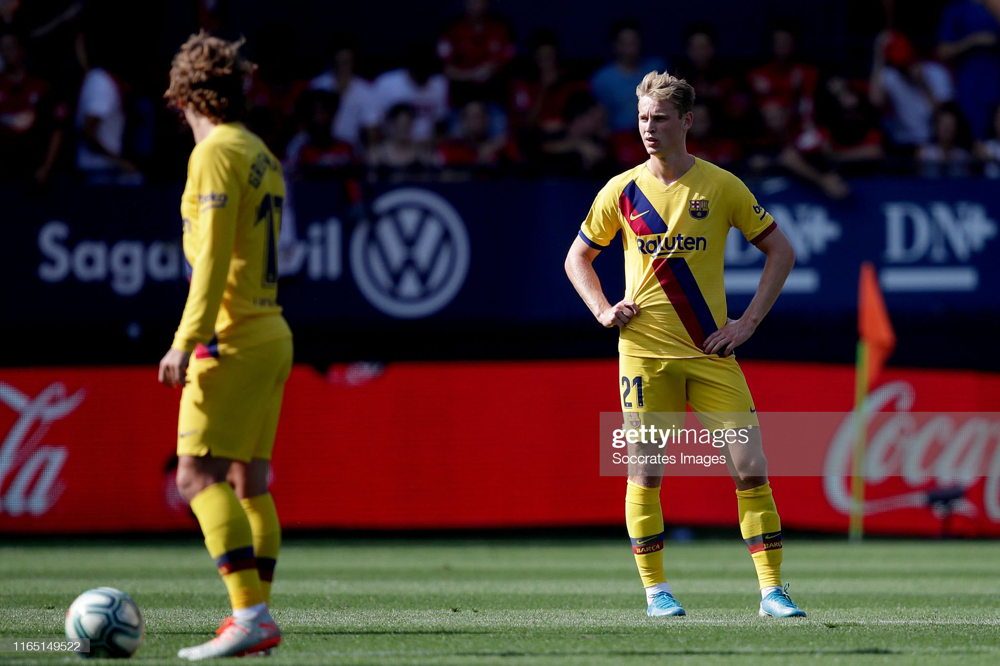 صور مباراة : أوساسونا - برشلونة 2-2 ( 31-08-2019 )  Frenkie-de-jong-of-fc-barcelona-during-the-la-liga-santander-match-picture-id1165149522?s=2048x2048