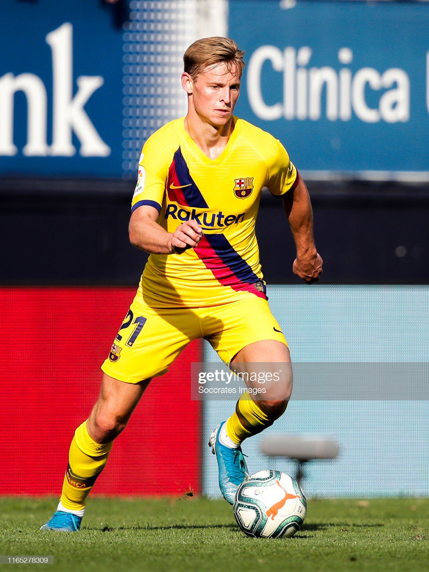 صور مباراة : أوساسونا - برشلونة 2-2 ( 31-08-2019 )  Frenkie-de-jong-of-fc-barcelona-during-the-la-liga-santander-match-picture-id1165278309?s=2048x2048