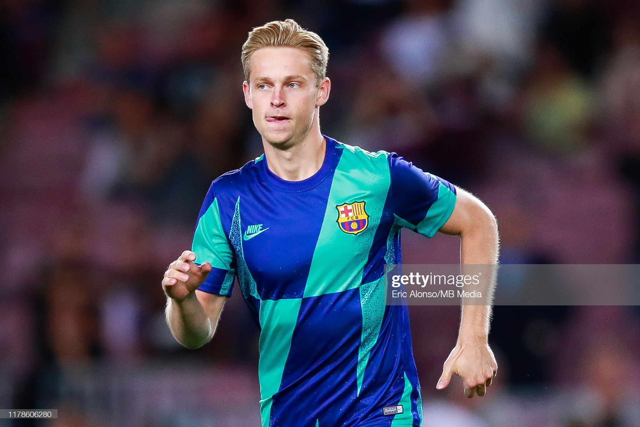صور مباراة : برشلونة - إنتر 2-1 ( 02-10-2019 )  Frenkie-de-jong-of-fc-barcelona-during-the-warm-up-of-the-uefa-f-picture-id1178606280?s=2048x2048