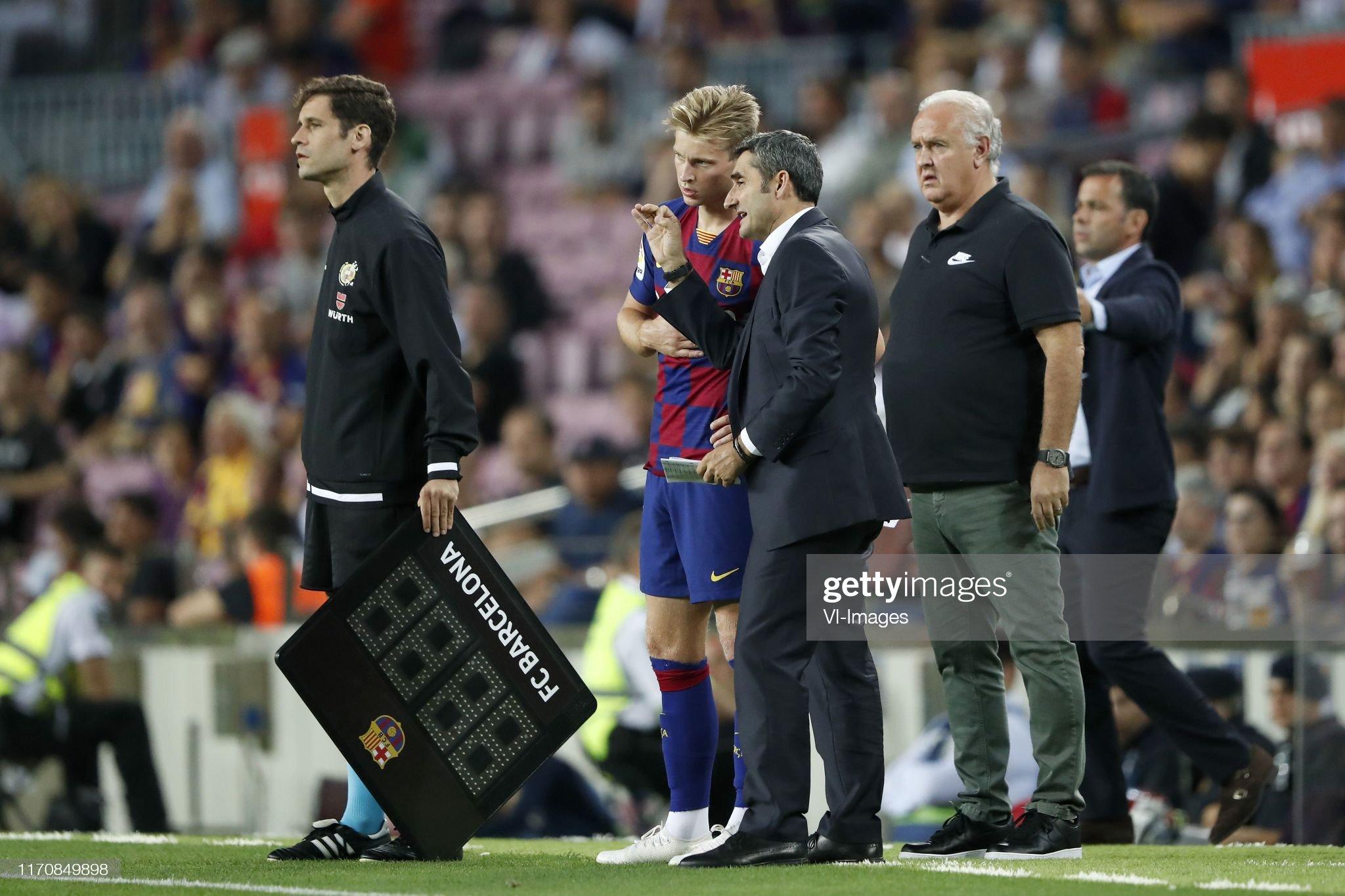صور مباراة : برشلونة - فياريال 2-1 ( 24-09-2019 )  Frenkie-de-jong-of-fc-barcelona-fc-barcelona-coach-ernesto-valverde-picture-id1170849898?s=2048x2048