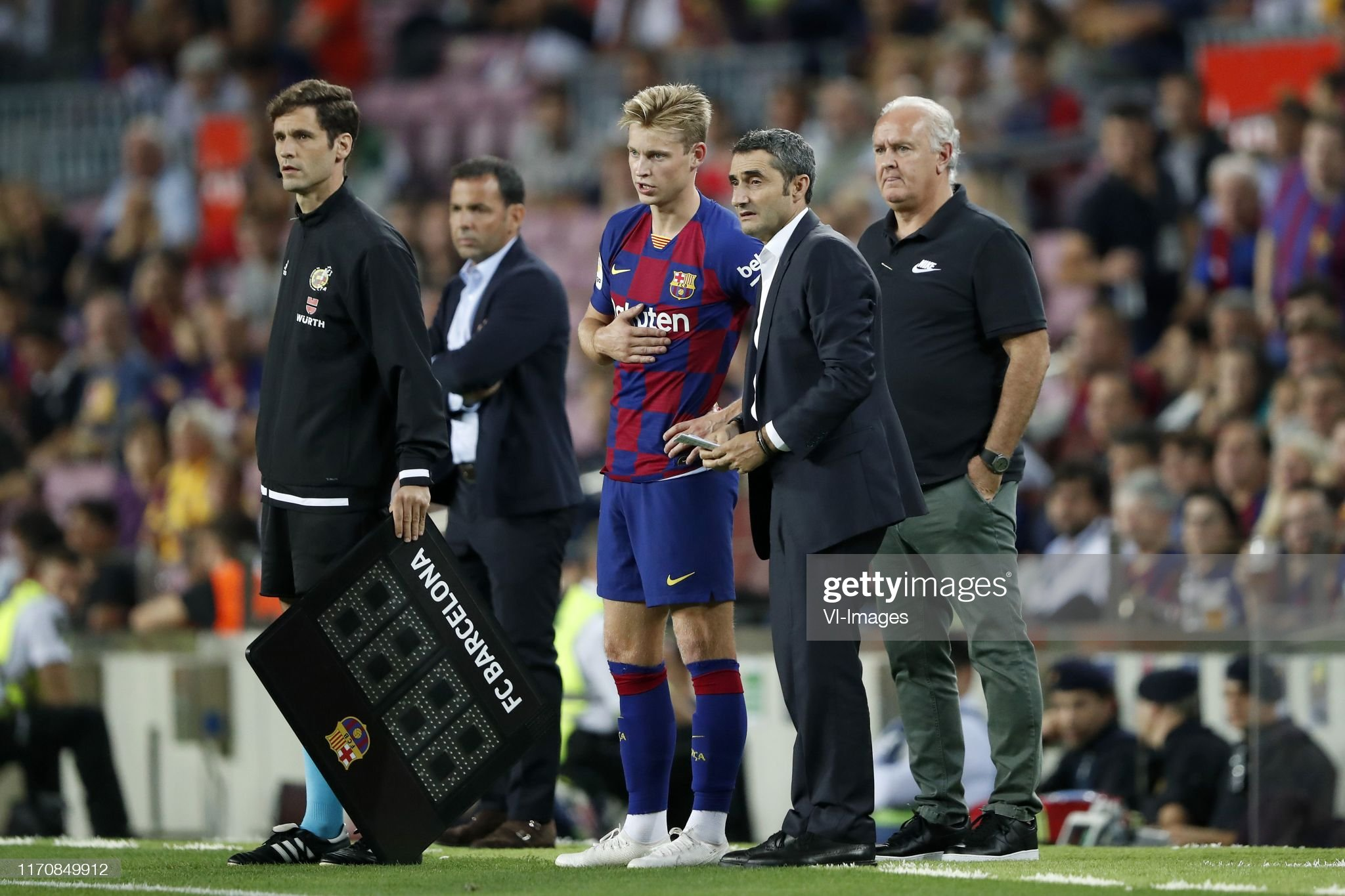 صور مباراة : برشلونة - فياريال 2-1 ( 24-09-2019 )  Frenkie-de-jong-of-fc-barcelona-fc-barcelona-coach-ernesto-valverde-picture-id1170849912?s=2048x2048