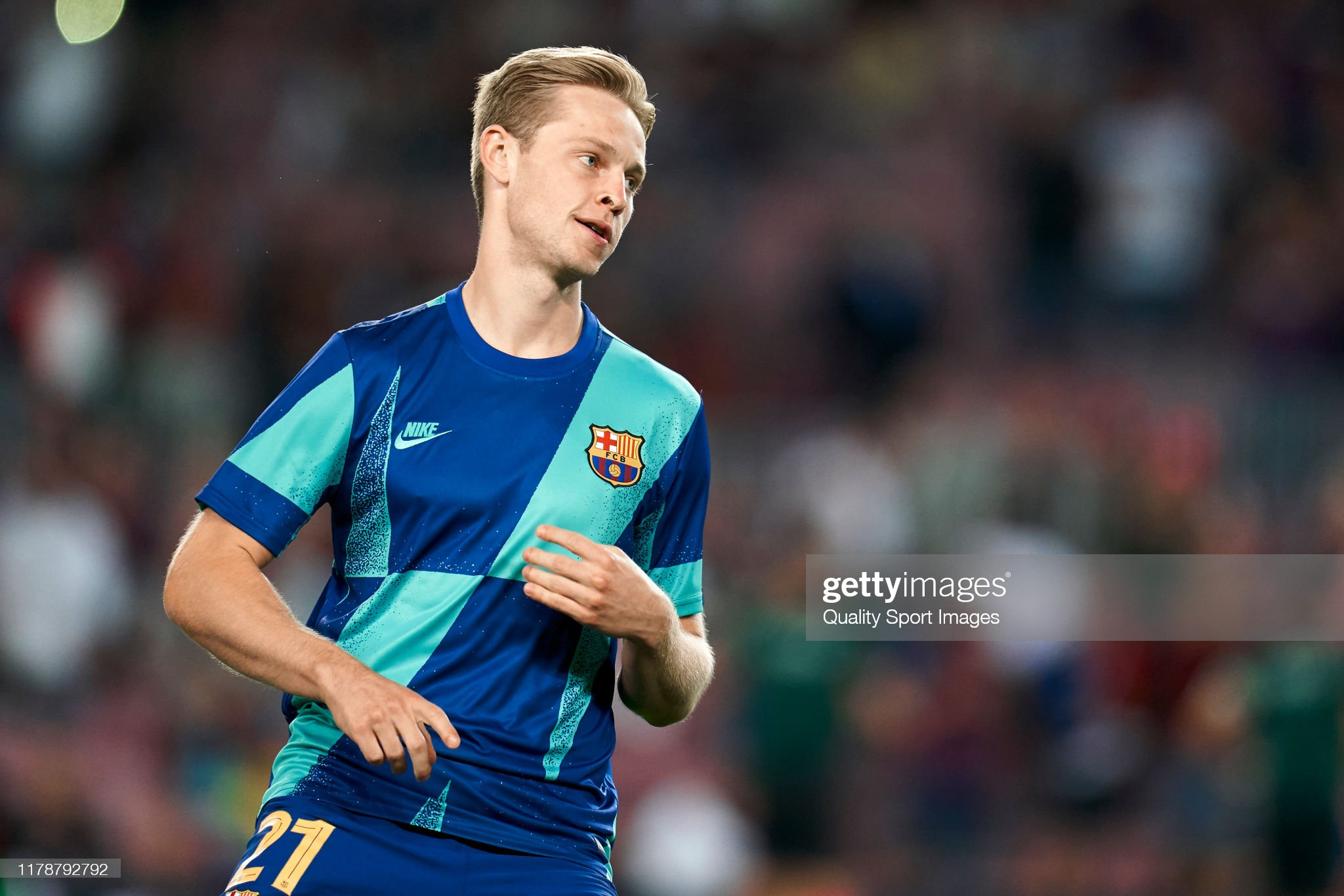 صور مباراة : برشلونة - إنتر 2-1 ( 02-10-2019 )  Frenkie-de-jong-of-fc-barcelona-looks-on-during-the-prematch-warm-up-picture-id1178792792?s=2048x2048