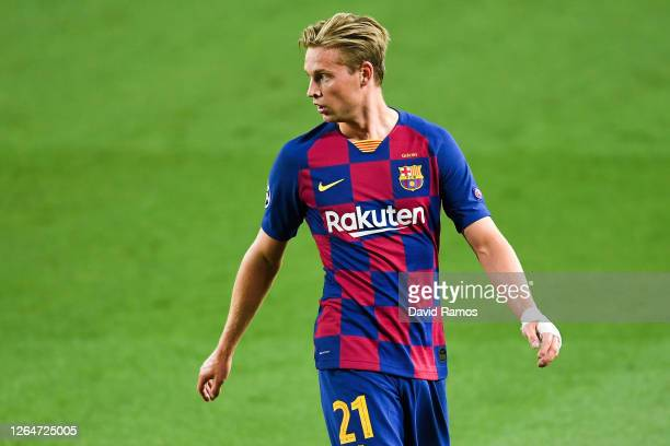 Frenkie de Jong of FC Barcelona looks on during the UEFA Champions League round of 16 second leg match between FC Barcelona and SSC Napoli at Camp...