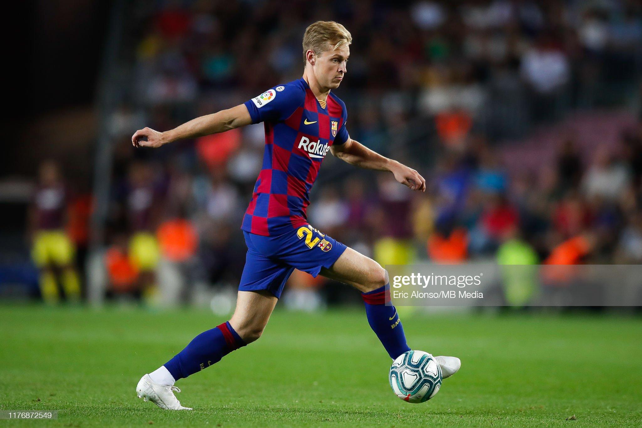 صور مباراة : برشلونة - فياريال 2-1 ( 24-09-2019 )  Frenkie-de-jong-of-fc-barcelona-passes-the-ball-during-the-liga-match-picture-id1176872549?s=2048x2048