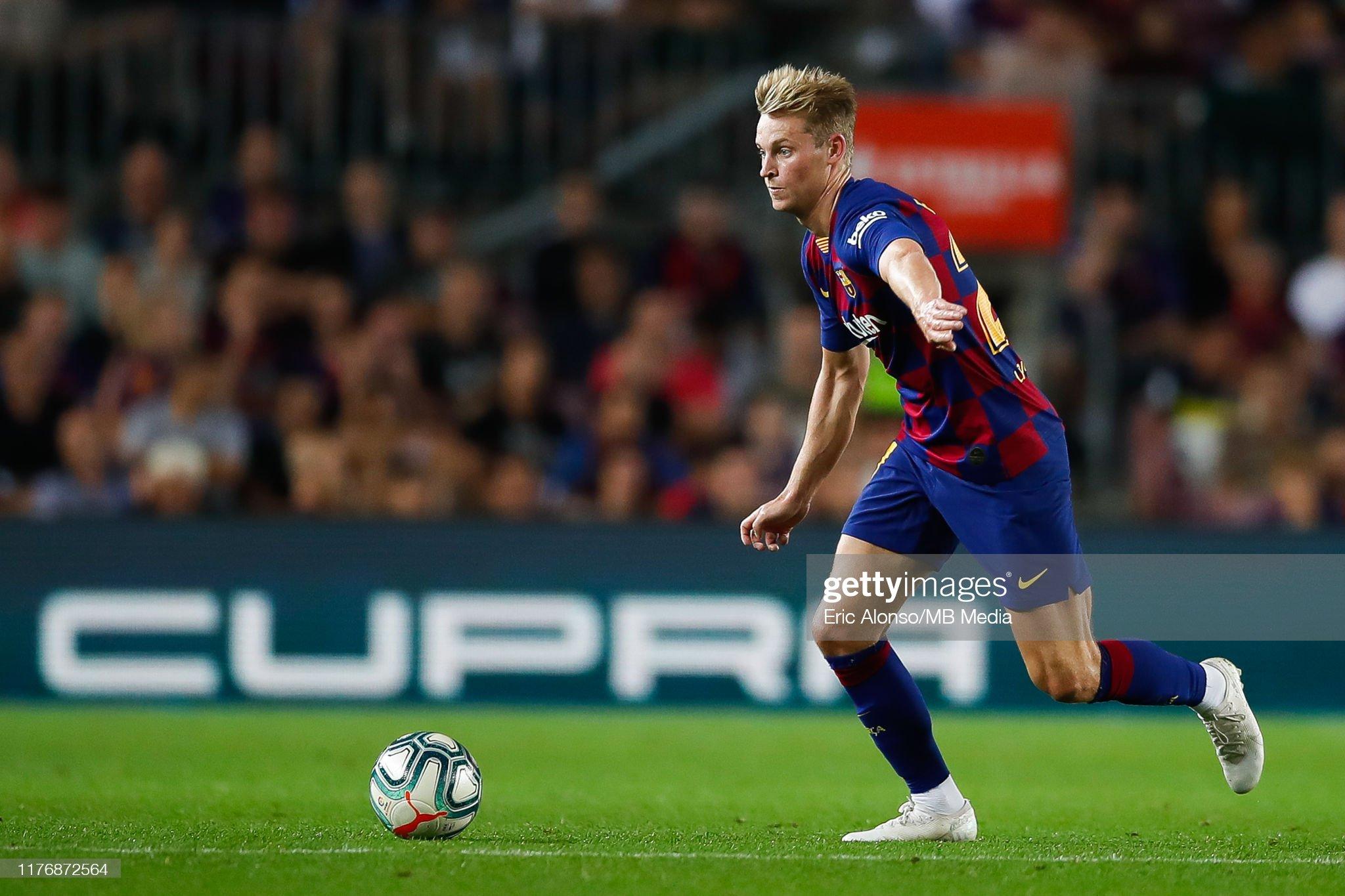 صور مباراة : برشلونة - فياريال 2-1 ( 24-09-2019 )  Frenkie-de-jong-of-fc-barcelona-passes-the-ball-during-the-liga-match-picture-id1176872564?s=2048x2048