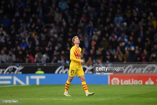 Frenkie de Jong of FC Barcelona reacts as he leaves the pitch after being shown a red card during the La Liga match between RCD Espanyol and FC...