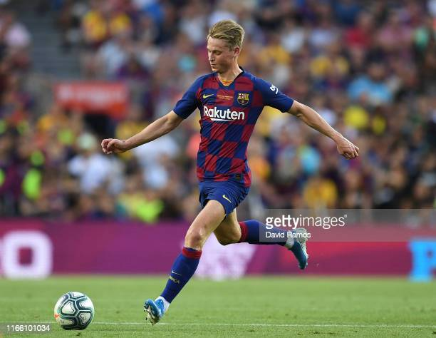 Frenkie de Jong of FC Barcelona runs with the ball during the Joan Gamper trophy friendly match between FC Barcelona and Arsenal at Nou Camp on...