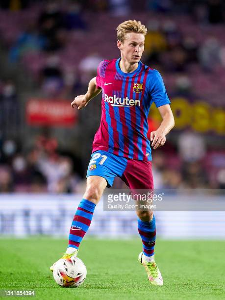 Frenkie De Jong of FC Barcelona with the ball during the La Liga Santander match between FC Barcelona and Granada CF at Camp Nou on September 20,...