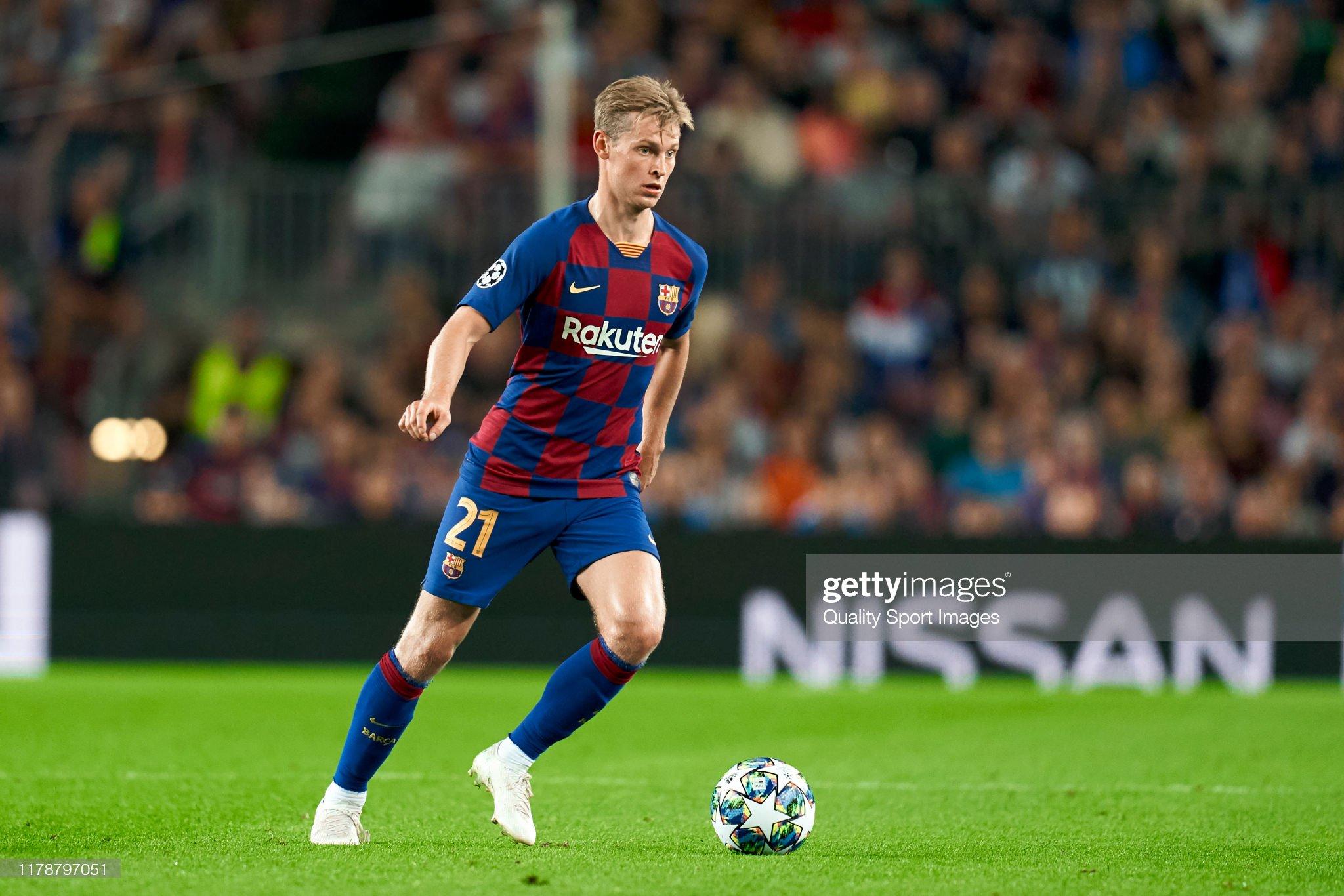 صور مباراة : برشلونة - إنتر 2-1 ( 02-10-2019 )  Frenkie-de-jong-of-fc-barcelona-with-the-ball-during-the-uefa-league-picture-id1178797051?s=2048x2048