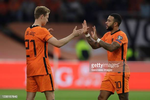 Frenkie de Jong of Holland, Memphis Depay of Holland during the World Cup Qualifier match between Holland v Turkey at the Johan Cruijff Arena on...