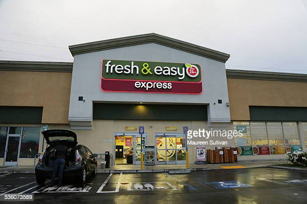 Fresh and Easy market right after dawn Lakewood California