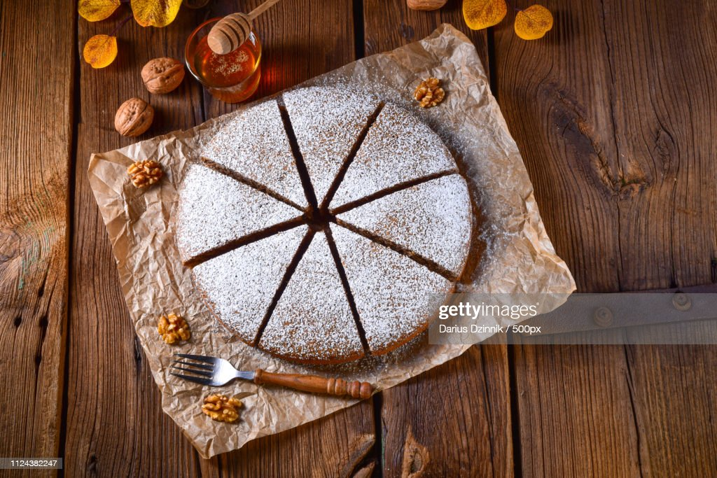 Fresh And Tasty Autumnal Walnut Cake With Honey : Stock-Foto