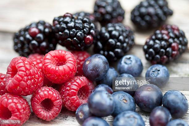 fresh berries - berry fruit stock pictures, royalty-free photos & images