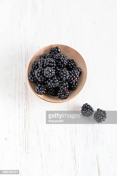 Fresh blackberries, bowls
