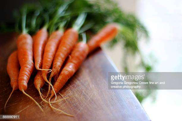 fresh carrots - gregoria gregoriou crowe fine art and creative photography fotografías e imágenes de stock