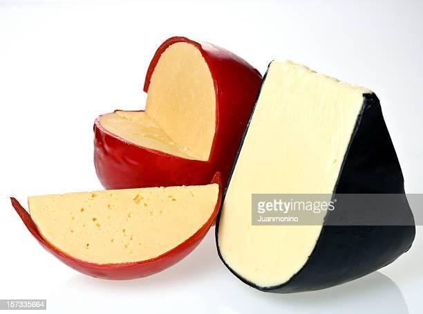 Edam frescos y quesos amarillo y blanco