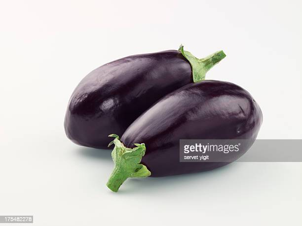 fresh eggplants - eggplant stock pictures, royalty-free photos & images