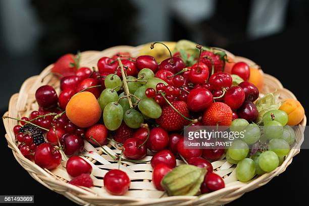 fresh fruit platter - jean marc payet stockfoto's en -beelden
