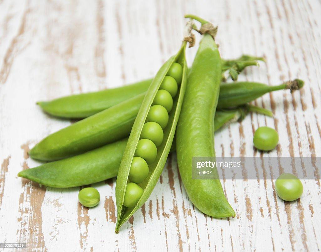 Fresh Garden Peas : Stock Photo