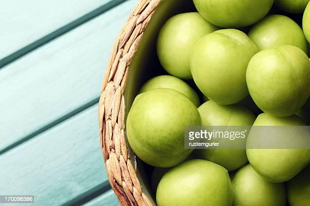 Ciruelas verde fresco