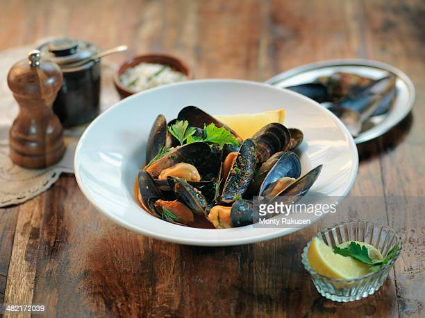 Fresh mussels with garlic, chillies, white wine, parsley and tomato sauce