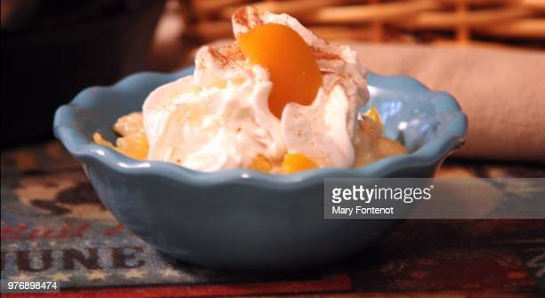 fresh peach cobbler - mary peach stock pictures, royalty-free photos & images
