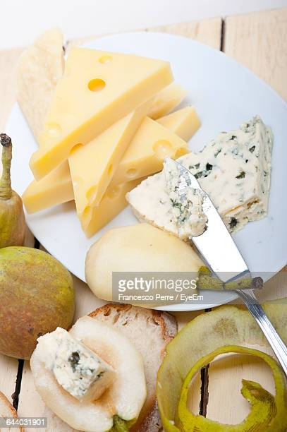 Fresh Pear With Cheese