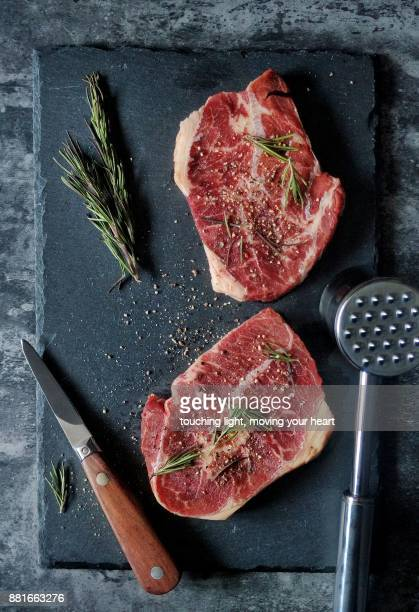 fresh raw beef - red meat stock pictures, royalty-free photos & images