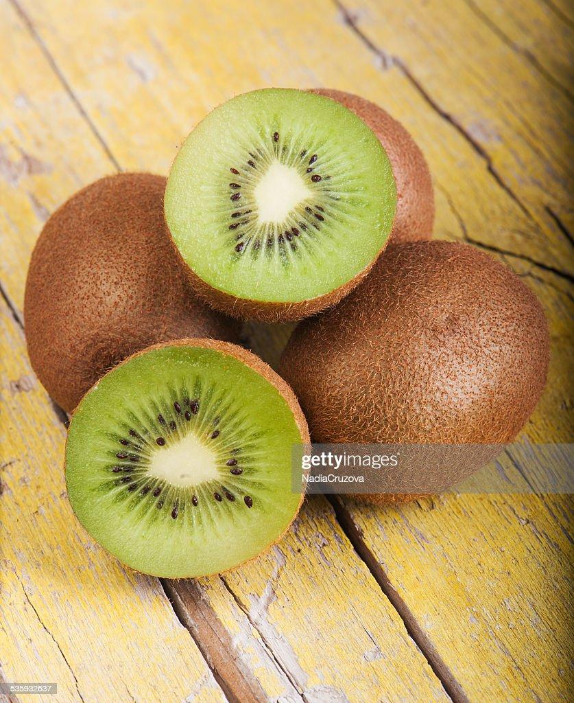 Fresh ripe kiwi : Stock Photo