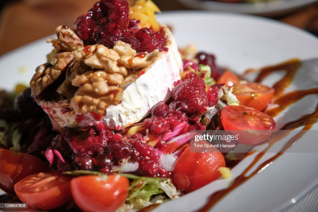 Fresh salad with grilled goat cheese chevre : Stock Photo