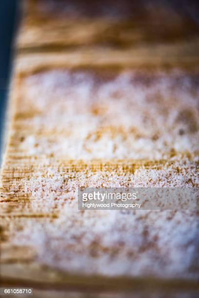 fresh snow on fresh wood - highlywood fotografías e imágenes de stock
