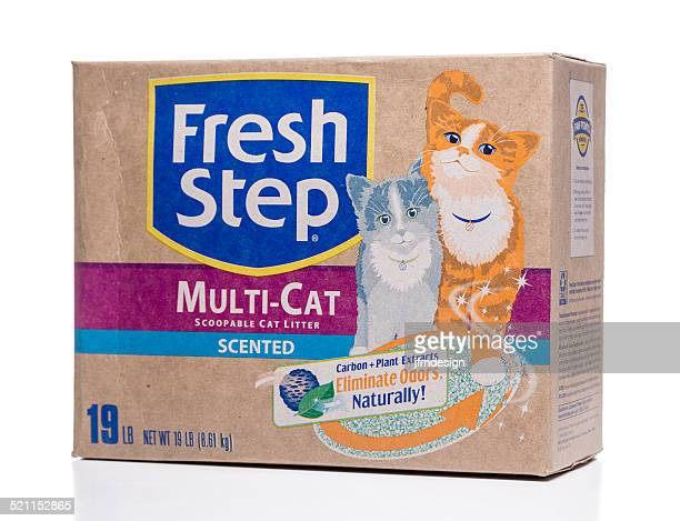 fresh step multi-cat scented cat litter - litter box stock photos and pictures
