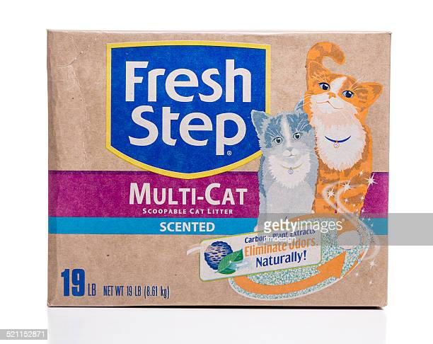 fresh step multi-cat scented scoopable litter - litter box stock photos and pictures