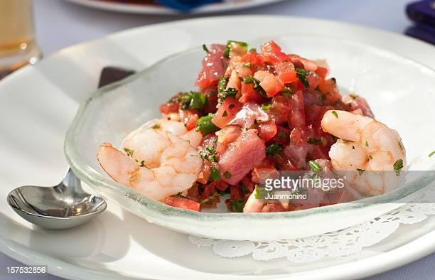 ceviche de atún con camarones frescos - ceviche fotografías e imágenes de stock